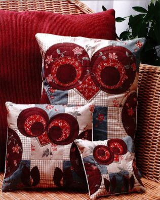 GO! Give a Hoot Owl Pillows