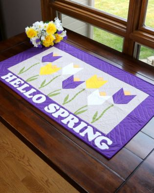 GO! Hello Spring Table Runner Pattern