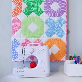 GO! Qube 8 Hugs and Kisses FREE Baby Quilt Pattern